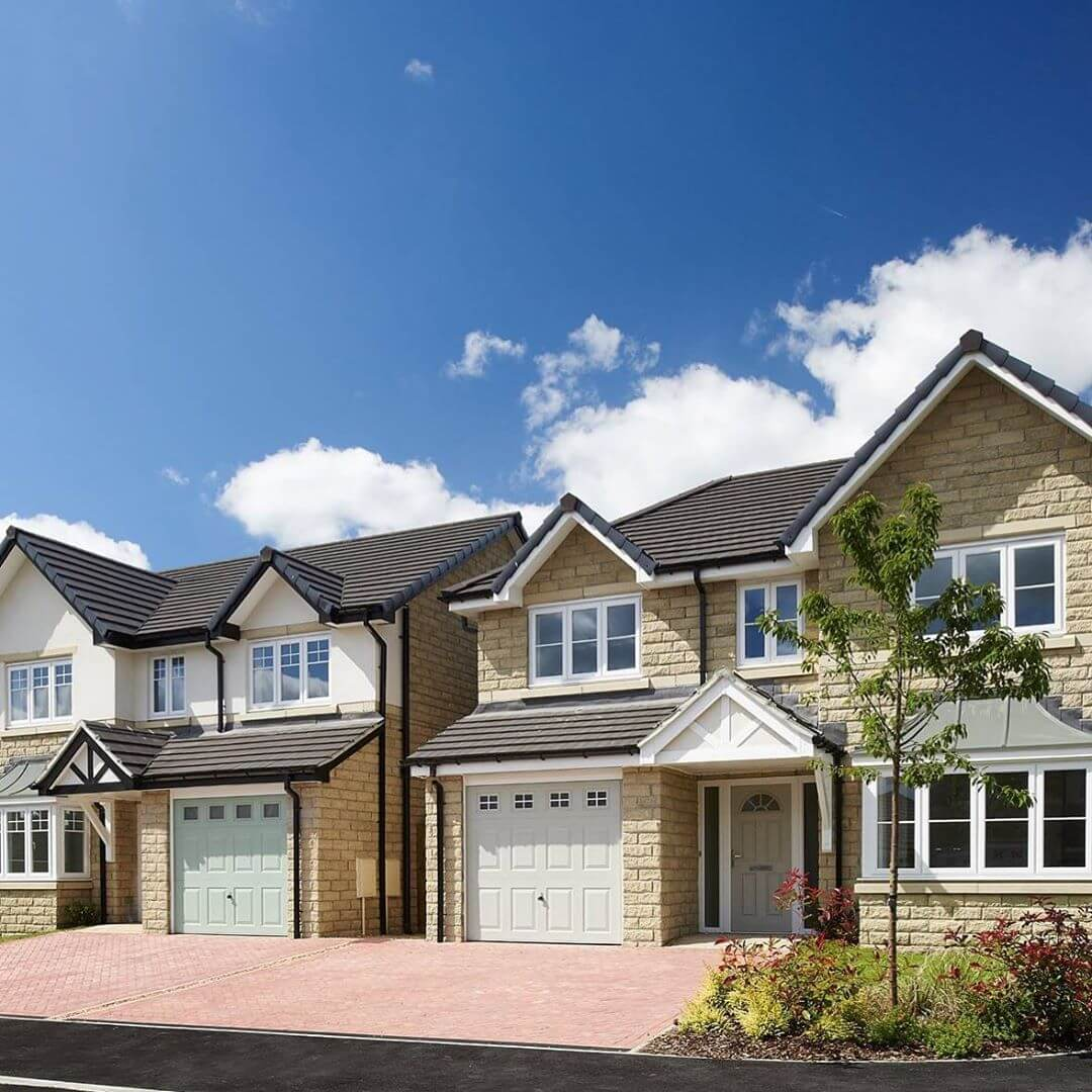 Our Home of The Week: The Banbury at The Orchards. Only 3 plots left at this stunning development in Netherthong, so don't miss out – these impressive 4 bedroom homes are ready to move into, all have fitted carpets plus a host of extras included!  #joneshomes #joneshome #joneshomesuk #home #newhome #newhomes #newbuild #newbuildhome #property #instahome